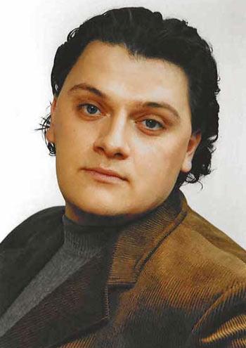 Aleksandrs Antoņenko (dziedātājs; tenors)