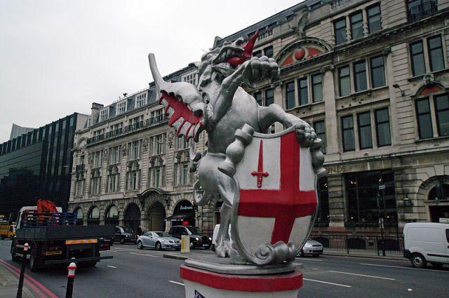 Grifons Londonas Sitijs salaupīto bagātību sardzē