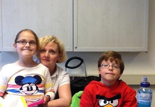 Jeļena Antonova ar bērniem