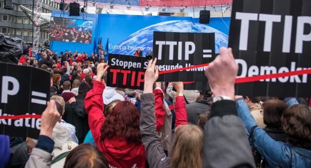 00489_stop-ttip-generic-fb