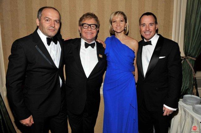 Viktors Piņčuks ar sievu un Eltons Džons