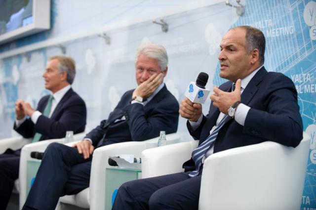 Tonijs Blērs, Bils Klintons un Viktors Piņčuks