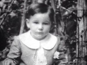 Fidels Kastro 3 gadu vecumā